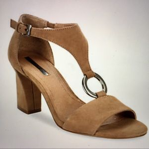 TAHARI Suede Sandals Norma T- Strap Fawn c…